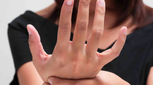 parestesia mani