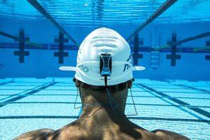 auricolari subacquei per piscina